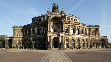 Semperoper. Photo: Semperoper Dresden / Matthias Creutziger